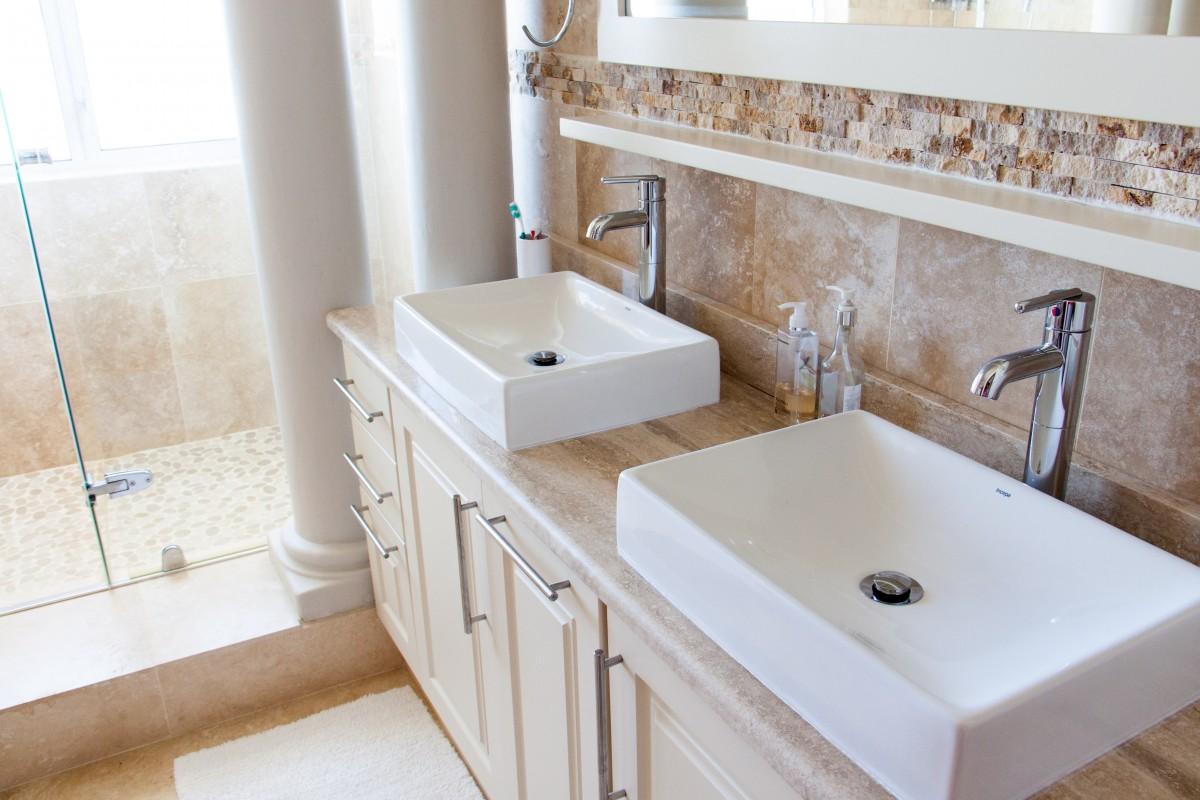 5 idées de meubles pour aménager une salle de bains chic et tendance