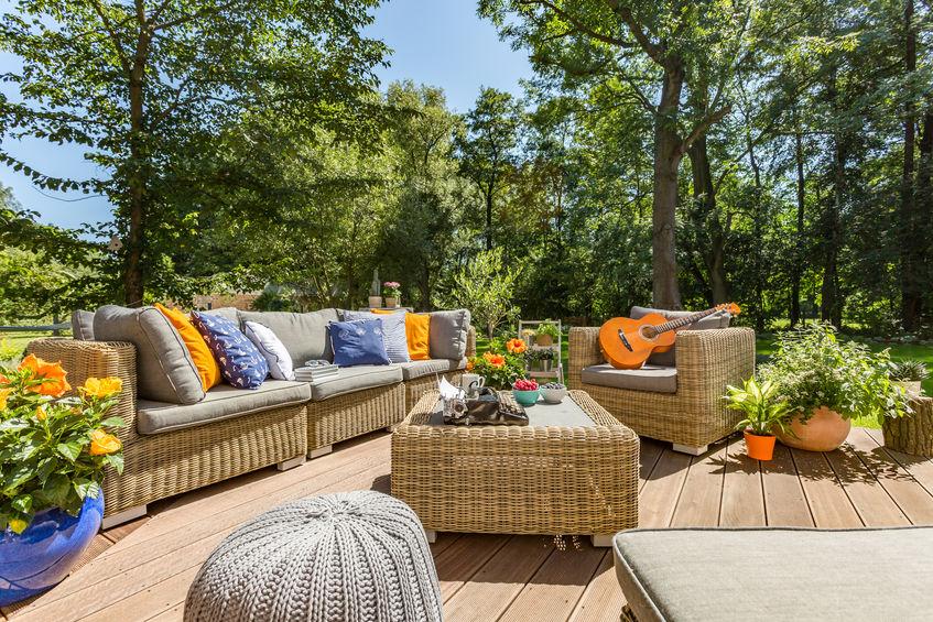Entretien des meubles de jardin : 10 solutions pratiques et ...