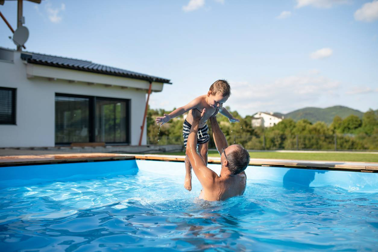 piscine revêtement sol résine
