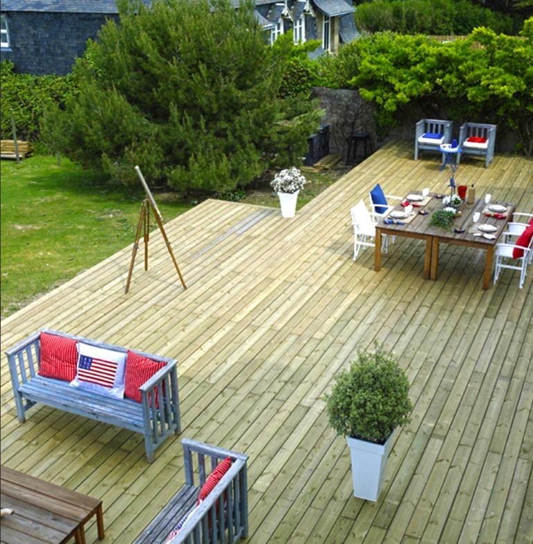 terrasse en bois allure rustique